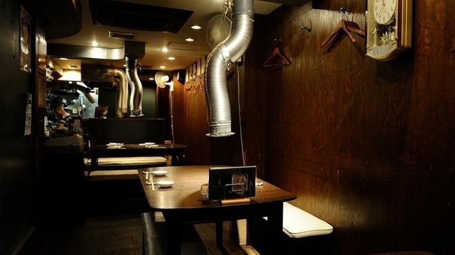 糸桜 - 内観写真:落ち着いた雰囲気の店内です。