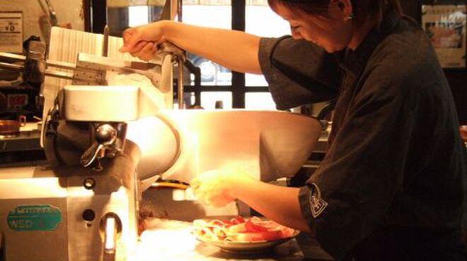 しゃぶ亭 - 内観写真:良質のお肉を絶妙スライス