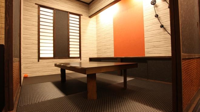 秀徳 - 内観写真:店内個室