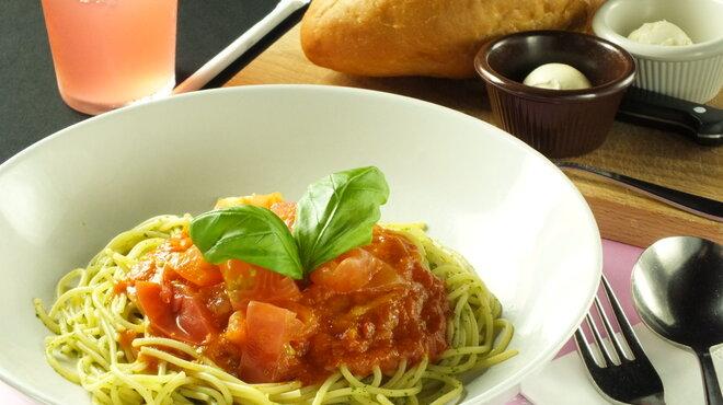 オールドスパゲティファクトリー - 料理写真:2013年冷製スパゲティ第2弾♪バジルソースとフレッシュトマトの清涼感に溢れる一品です!