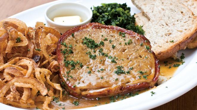 バビーズ - 料理写真:アメリカ家庭料理の定番でバビーズメイン料理の主役ベーコンラップミートローフ グレイビーソース!本当に美味しいので是非一度お召し上がりください。