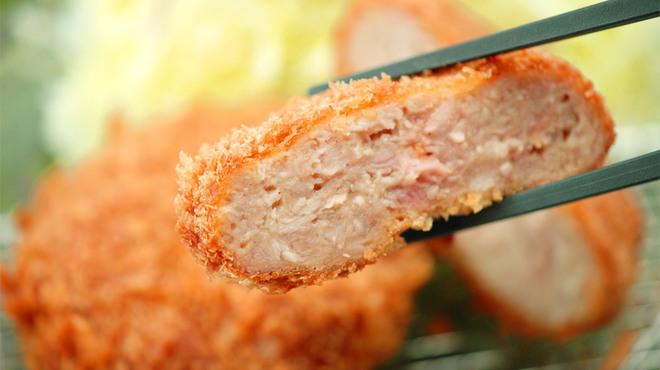 金沢かつぞう - 料理写真:能登豚粗挽きメンチかつ