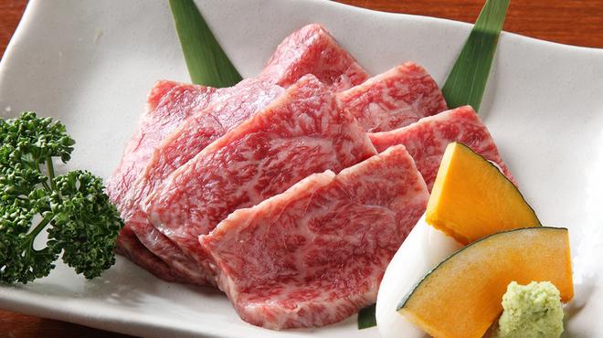 仙次郎 - 料理写真:塩で食べるのがおすすめ!『和牛特上ロース』