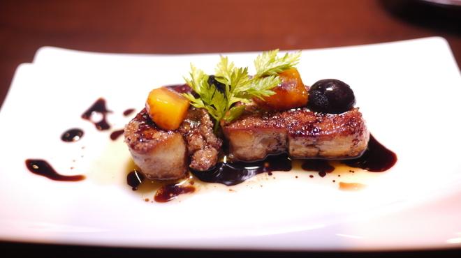 ホルモンバルヤマト - 料理写真:フォアグラのソテー バルサミコスソースでフルーティ