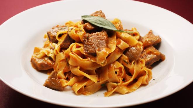 チェイスコ - 料理写真:自家製タリアテッレ、牛肉のラグーソース