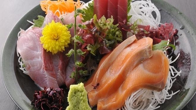 海鮮居酒屋さんせん - 料理写真:『お刺身三点盛り』
