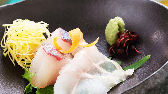 龍のひげ - 料理写真:『本日の造里』 その日に仕入れた新鮮な魚をシェフのおすすめで。