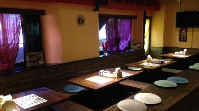 ゴダワリアジアンレストラン&バー - 内観写真:店内