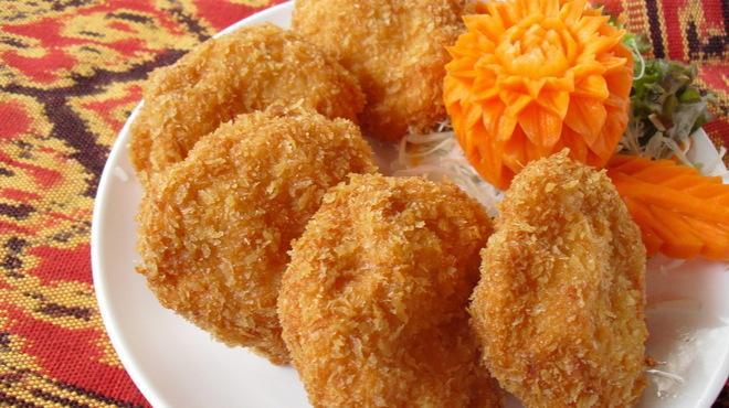 熱帯食堂 - 料理写真:トートマンクン☆タイの屋台料理です!!自家製海老のすり身はジューシーでプリップリです。