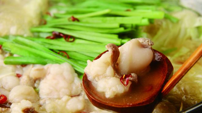 巴庵 - 料理写真:鶏ガラを長時間炊いた白湯スープで食べる博多流