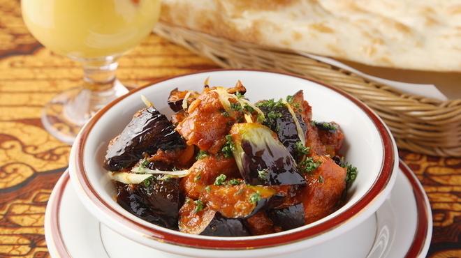 シタル - 料理写真:チキンと茄子のカレー