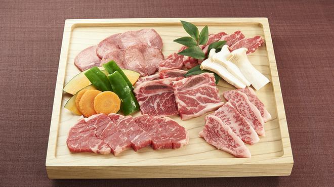 うしすけ - 料理写真:『プレミアムセット』和牛の盛り合せもございます。