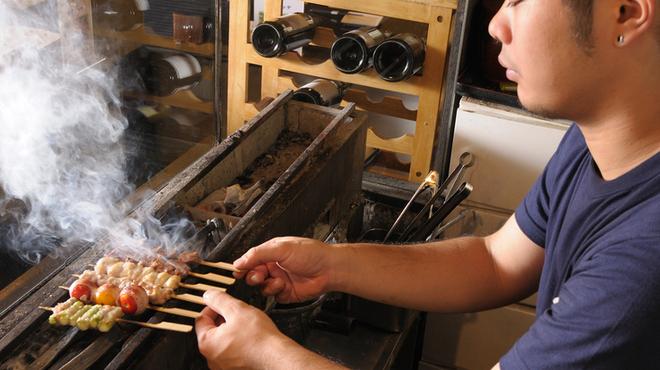 とり元 - 料理写真:1本1本丁寧に.注文を受けてから焼き上げてくれる