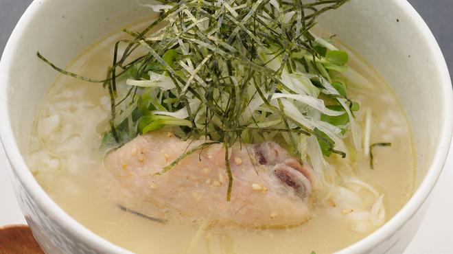 とり元 - 料理写真:奥深い味わいのスープが決め手『こだわり鶏スープ茶漬け』