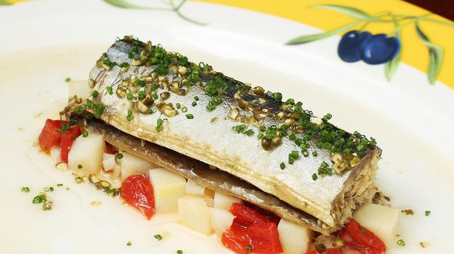 レスパス - 料理写真:Conpote de sanma à la vinaigrette de poivre vert サンマのコンポート、青胡椒のヴィネグレット