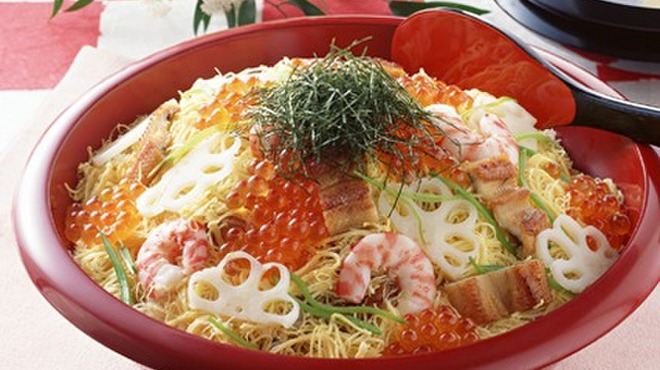 寿し舟 - 料理写真:季節のお寿司とお料理、お料理に合う美味しい日本酒も取り揃えております。是非この機会にご賞味下さいませ。