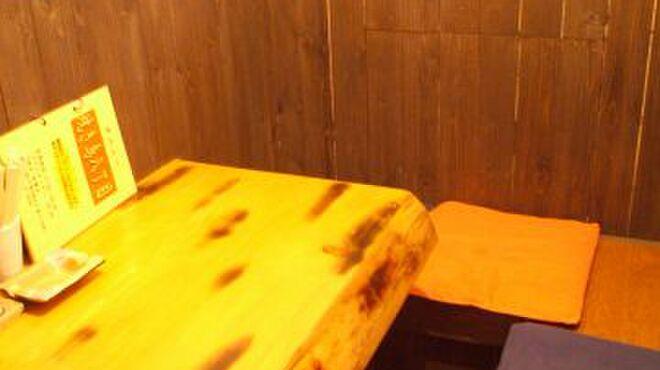 焼き鳥八丁目 - 内観写真:カップルシートあり!BOX席、秘密の個室もあります♪