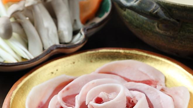 鍋と旬菜と京料理 花柳 - 料理写真:旨みが違う天然丹波産の牡丹肉を使用 花柳名物『牡丹鍋』 コラーゲンたっぷり!!