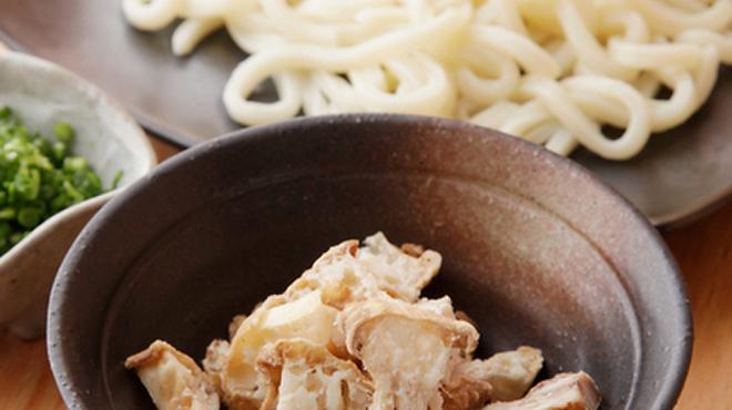 すゞき - 料理写真:大阪で長く愛されてきたソウルフード『かすうどん』