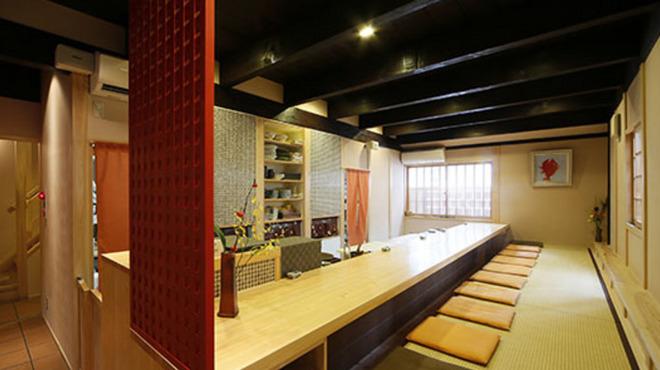 美観地区 多幸半  - 内観写真:オープンキッチンのカウンター席