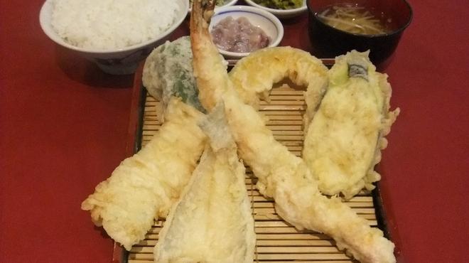 だるまの天ぷら定食 - 料理写真:だるまエビ定食