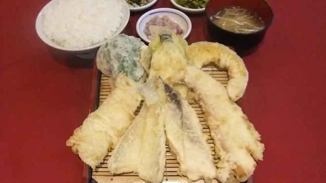 だるまの天ぷら定食 - 料理写真:伝統の魚定食