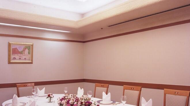 レストラン オーロラ - 内観写真:個室もございます(6名様から13名様まで)