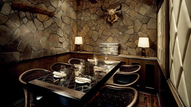 プラナ バルカ - 内観写真:大人な個室もご用意してます。大切な接待などにお使いください。