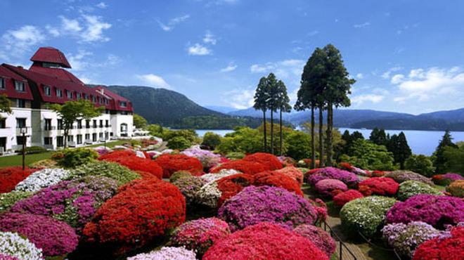 つつじの茶屋 - 外観写真:美しい絵画のような風景の山のホテル