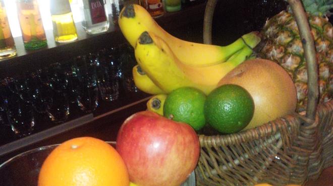 BAR Voeux - 料理写真:季節のフルーツを使ったカクテルは大人気です。
