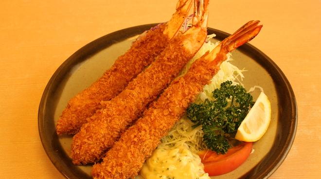 とんかつやまだ - 料理写真:海老フライ定食 特大でサクサクぷりぷりとした海老は一度食べると病みつきに!\1800