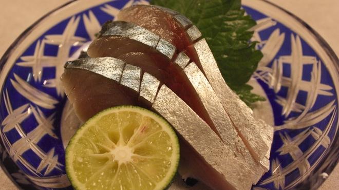 亀すし - 料理写真:活さば きずし(しょうが醤油、わさび醤油、しょうが酢) 1140円