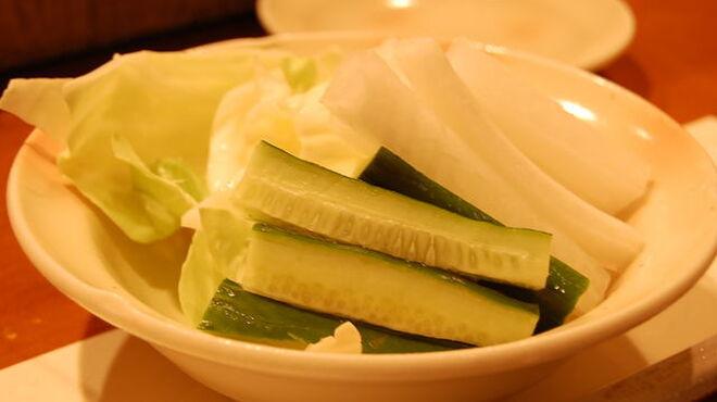 串かつ おこし - 料理写真:☆新鮮野菜で口直し・・・☆