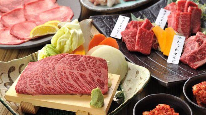 牛豚馬鶏 - 料理写真:厳選のお肉をご用意しております。