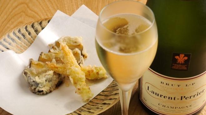 からさわ - 料理写真:シャンパンと天婦羅、不動のコンビ