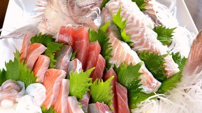 PAPA'S - 料理写真:◆PAPA'S名物!新鮮なお刺身の盛り合わせ(コースのみ)!グループでのご利用にどうぞ!