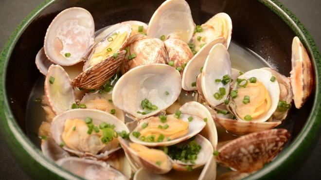 Bar AGARO - 料理写真:スープも美味しいアサリの酒蒸し