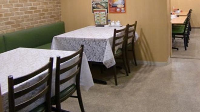 紫微星 - 内観写真:店内はゆったりテーブル席がございます