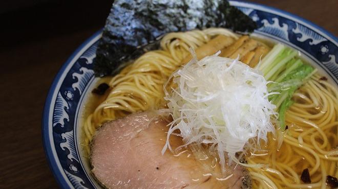 さとう - 料理写真:あっさり!豊魚鶏だし特製醤油らーめん女性にもオススメです。