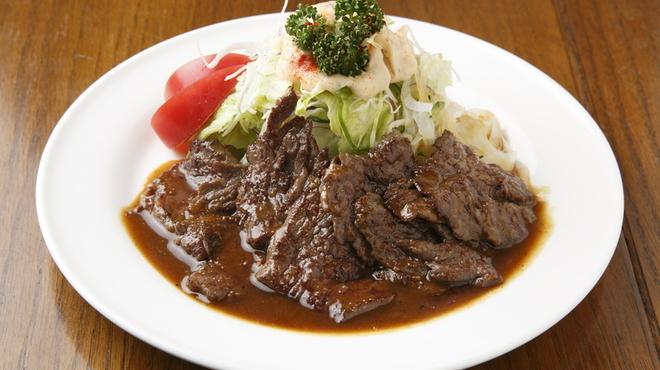サラダの店サンチョ - 料理写真:吉本芸人 未知やすえさんがお気に入りの照焼ステーキ