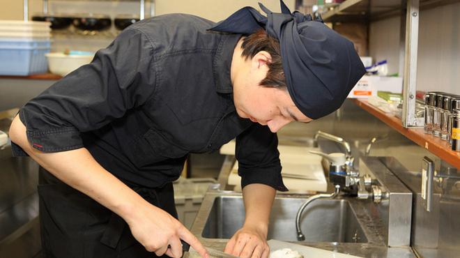 フグ料理 徳福 - 内観写真:焼きふぐに白子、ブツ刺し、皮南蛮、そしててっちりと、ふぐを堪能する贅沢なコースです。