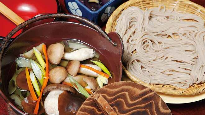 大久保西の茶屋 戸隠本店 - 料理写真:お煮かけそば1,380円