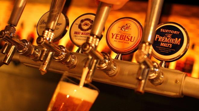 Q - 料理写真:ビール飲み比べできます
