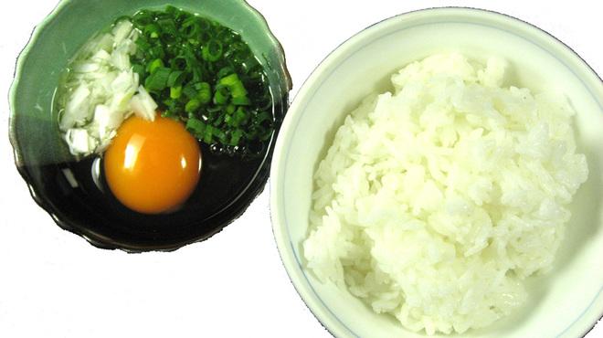 生粋 - 料理写真:秋刀魚タレ卵かけご飯は絶品!