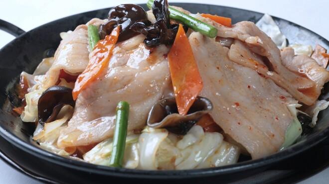 ばんや - 料理写真:人気NO1! 豚のキムチ風炒め