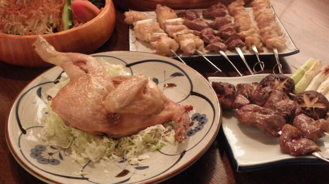 鳥半・魚半 - 料理写真:名物 半身唐揚は皮がパリッと中はジューシー。この一品で鶏肉の全部位が満喫できちゃいます。焼鳥メニューも豊富♪
