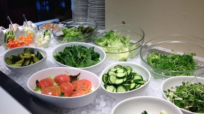 第一楼 - 料理写真:ヘルシーなバイキングにはやっぱりサラダは必須?!