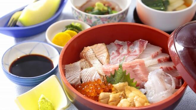 やひろ - 料理写真:新鮮な魚介類が贅沢に味わえます。