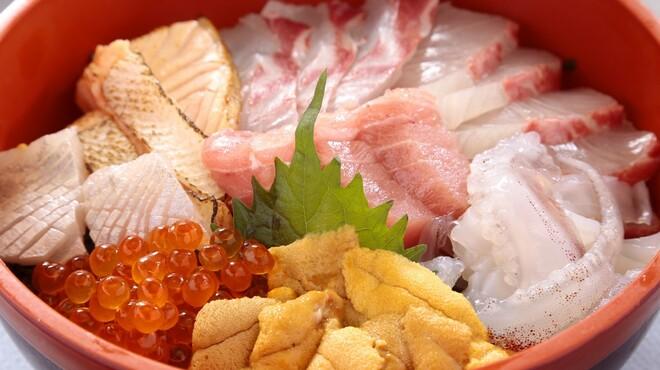 やひろ - 料理写真:新鮮な海の幸を贅沢に。
