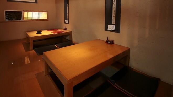 蕎麦 木曽路 - 内観写真:落ち着いた空間でのお食事をお楽しみください。